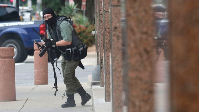 Gunman Killed After Shootout With Police Outside Federal Courthouse in Dallas