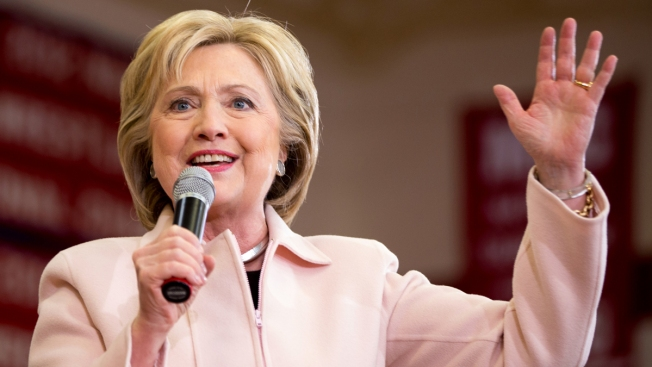 Clinton Gains Support From 170 African American Women Leaders