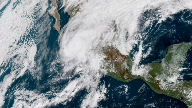 Category 3 Hurricane Willa Hits Mexico's Coast, Starts to Weaken
