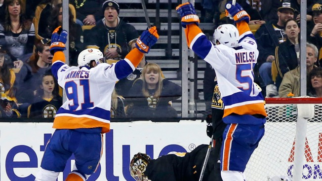 John Tavares Lifts Islanders Past Bruins