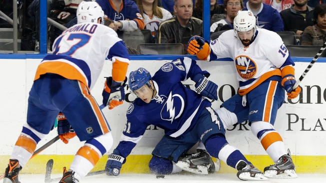 Nielsen's Shootout Goal Leads Islanders Past Lightning 2-1