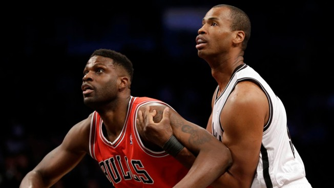 Jason Collins Cheered in Home Debut As Nets Rout Bulls