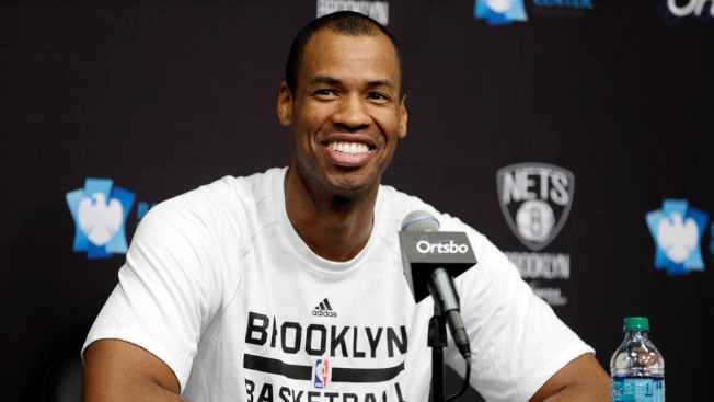 Jason Collins Plays at Barclays Center, Will Get Second Contract With Nets