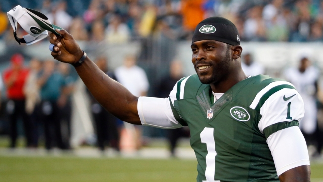 Jets' Vick Makes Quick Cameo Against Eagles