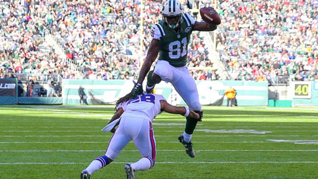 Fitzpatrick, Powell Lead Jets Past Bumbling Bills 30-10