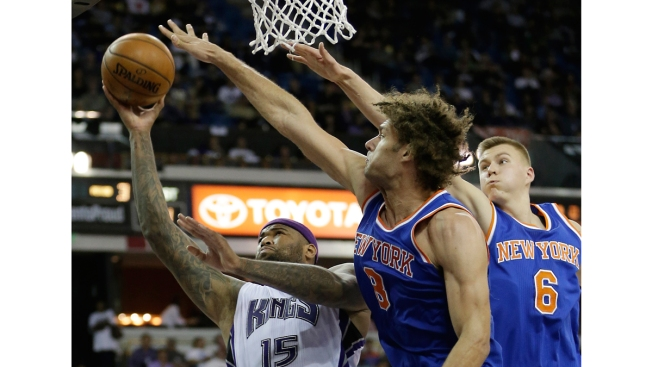 Rondo's Dunk Helps Lead Kings Past Knicks, 99-97