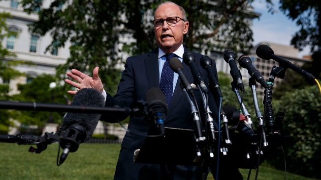 Top WH Adviser Kudlow Admits US Consumers Pay Tariffs