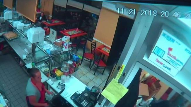 NY Restaurant Worker Uses Machete to Fend off Robber