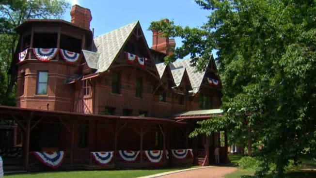 Report: Mold Threatens Artifacts At Mark Twain House