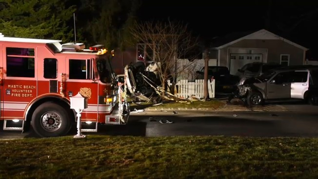 Husband Wife Killed In Crash On Long Island Other Driver Leaves