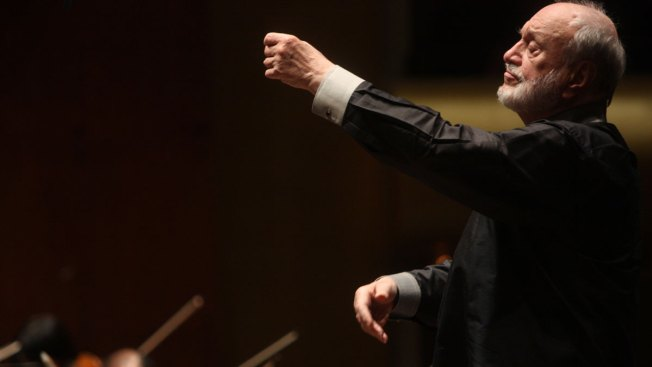 Kurt Masur, Who Led New York Philharmonic, Dies at 88