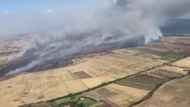 Brush Fire on Hawaii Island of Maui Prompts Evacuation Order, Diverts Flights