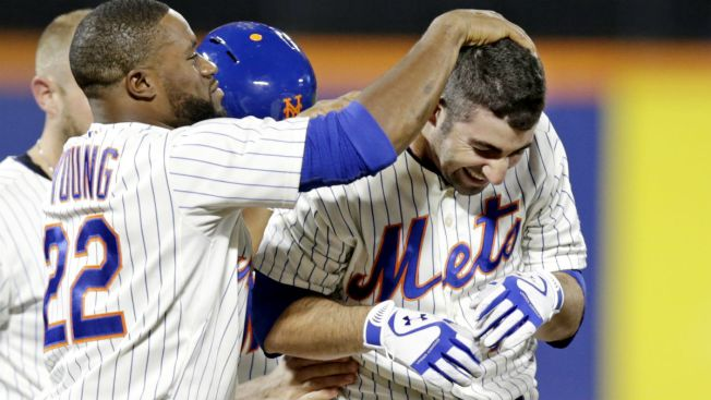 Satin, Mets Rally for 4 in 9th to Beat Giants 5-4