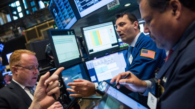U.S. Stocks Close Sharply Higher in Wake of Paris Attacks