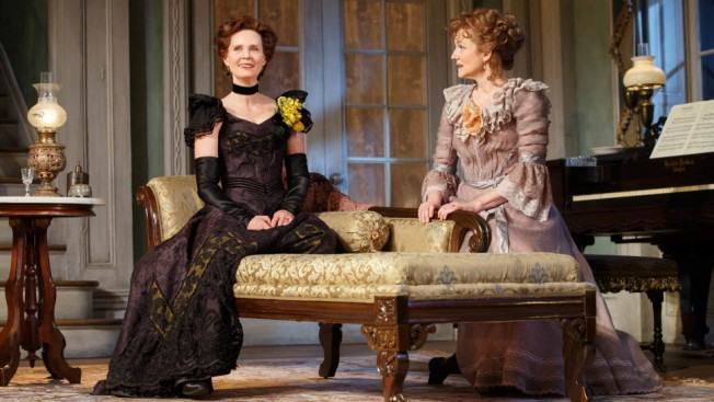 Laura Linney and Cynthia Nixon Pull Off Sly Role Reversal in 'The Little Foxes'