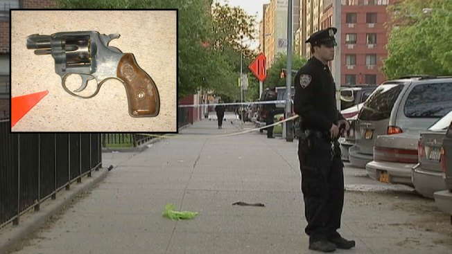 Officers Shoot Suspect Who Pointed Gun: NYPD