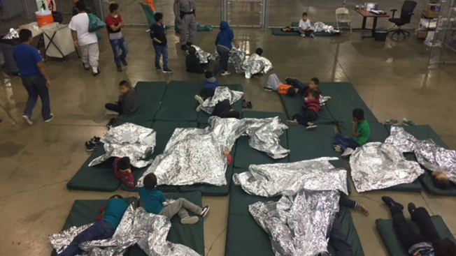 Migrant Children Tell of Cold Caged Areas, Smelly Food in Detention Centers