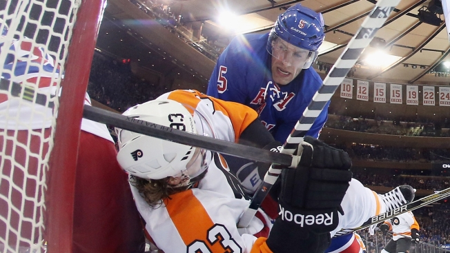 Rangers Score 3 in 3rd, Top Flyers in Playoff Opener 4-1