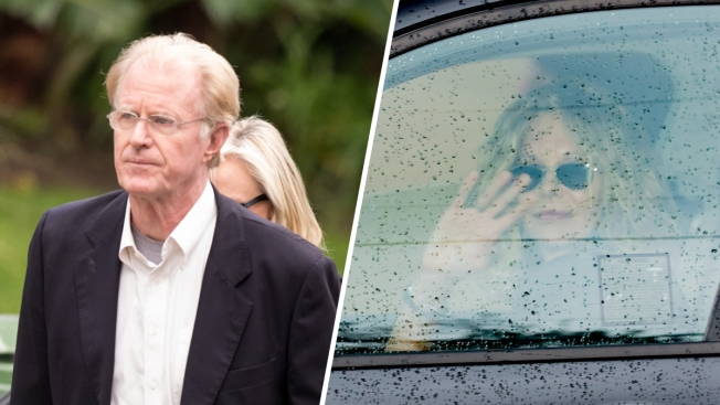 Stars Arrive at Reynolds, Fisher Houses for Reported Funeral