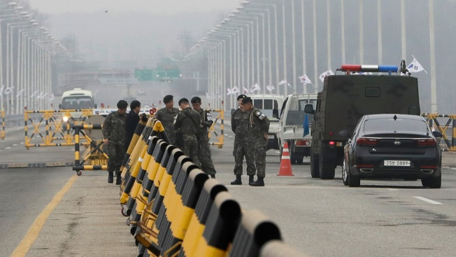 Rival Korean Leaders to Meet April 27 in Historic Summit