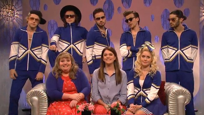 """Amy Adams, One Direction Highlight """"SNL"""" Finale"""