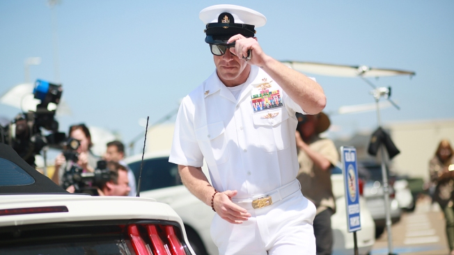 Navy Upholds Sentencing of Navy SEAL for Posing With Corpse