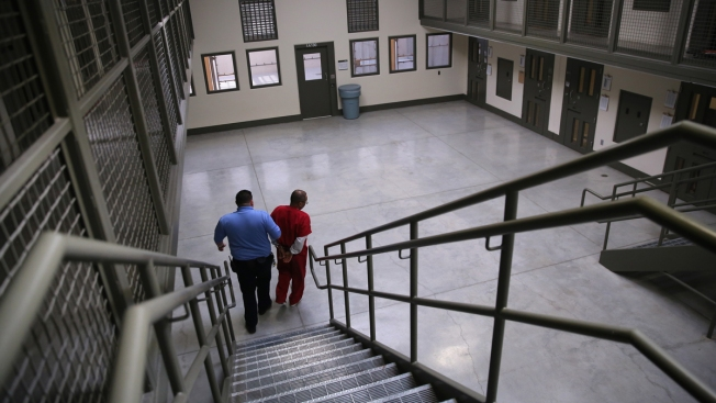 Thousands of Immigrants Suffer in Solitary Confinement in US Detention Centers