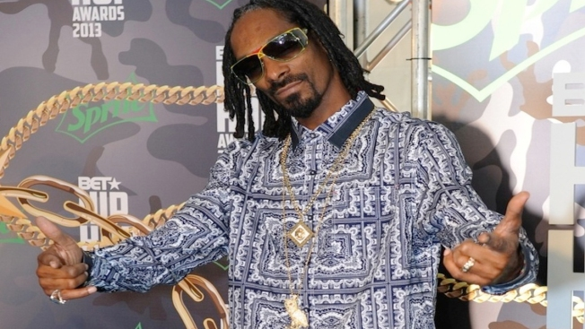 Snoop Dogg Claims He Smoked Pot at the White House