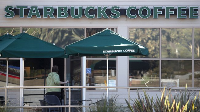 Starbucks Apologizes to Police After Ariz. Employee Asks Them to Leave
