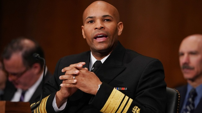 Any Doctor on Board? US Surgeon General Gives Aid on Plane