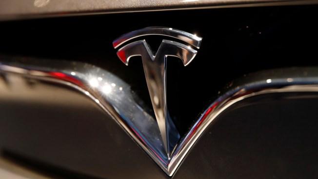 Tesla Posts Surprisingly Large 1Q Loss as Sales Slump 31%