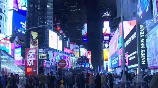 DRAMATIC FOOTAGE: Vehicle Strikes NYPD Officer And Escapes Through Times Square