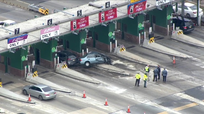 1 Killed In Toll Booth Crash On Garden State Parkway Nbc New York
