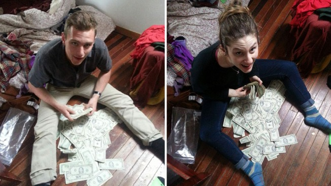 Upstate New York Roommates Find $40K in Couch, Return Cash to Owner