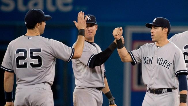 Teixeira Homers as Yankees Beat Blue Jays 5-3