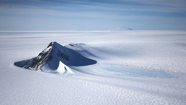 Antarctic Shelf Close to Calving Massive Iceberg: Scientists