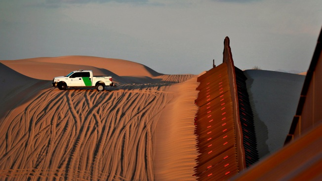 Despite Crackdown, Immigrants Flowing Through Arizona Border