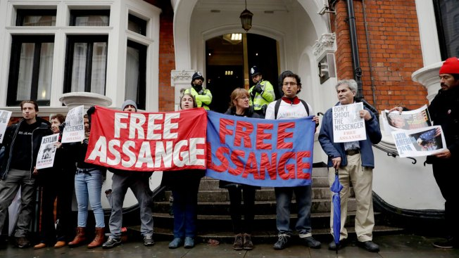 Assange Questioned at Ecuadorean Embassy in London