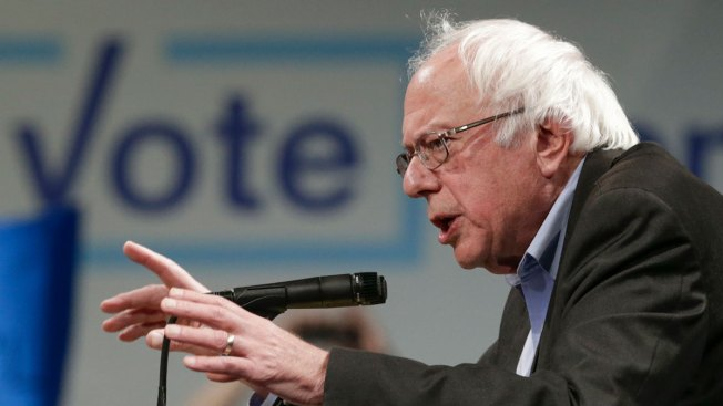 Thousands Show Up for Sanders Health Care Rally in Michigan