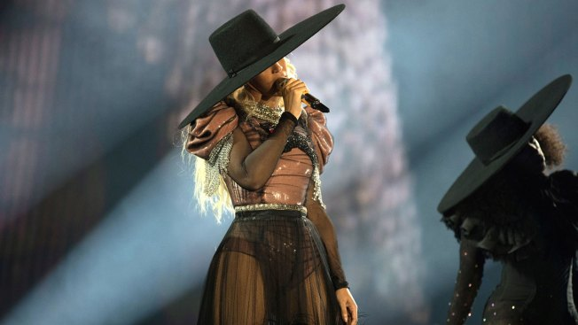 Beyonce Sheds Tears as She Visits Victims of Harvey