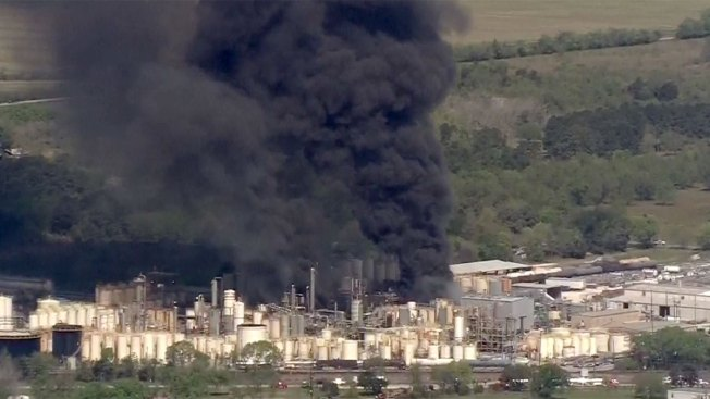 Another Texas Chemical Fire Kills 1 Worker, Injures 2