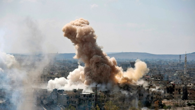 Syrian Military Pummels ISIS-Held Districts in Damascus