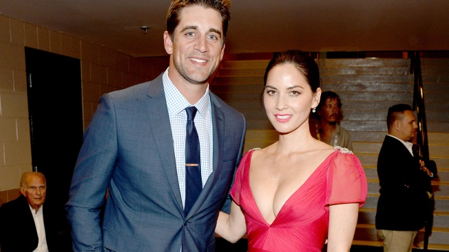 Olivia Munn Denies Being Engaged to Aaron Rodgers (With the Help of Hilarious Texts From Her Mom)