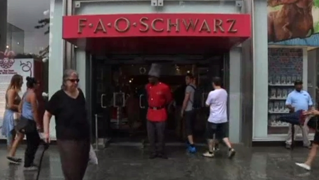 FAO Schwarz Pop-Up Shop Opens for the Holiday Season