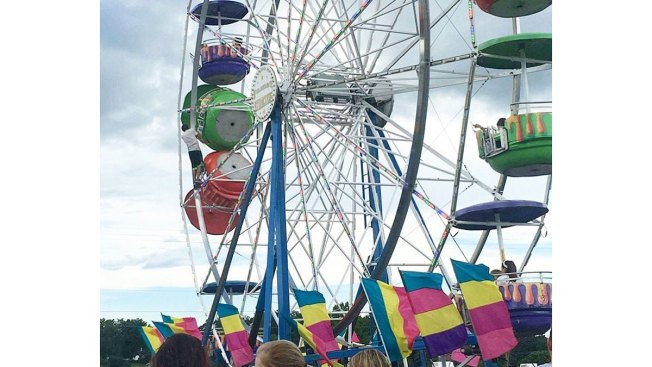 Ferris Wheel That Dropped Girls Had Worn Out Rivets: Report