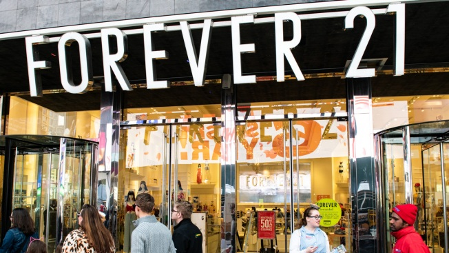 Forever 21 Accused of Fat Shaming After Mailing Diet Bars With Orders, Including Plus-Sized Orders