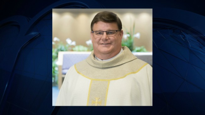 Wisconsin Priest Tells Parishioners He's Gay, Gets Standing Ovation
