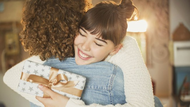 Gift Ideas for The Women in Your Life: Holiday Presents for Moms, Sisters and More