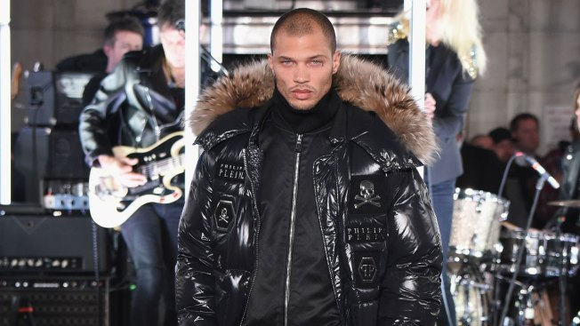 'Hot Felon' Jeremy Meeks Makes Runway Debut for New York Fashion Week