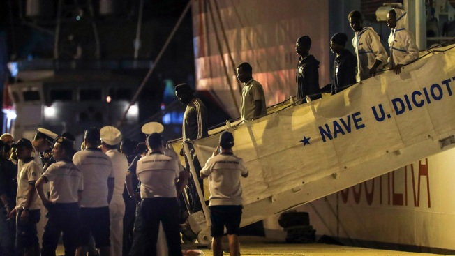 Italy: France, Malta Offer to Take Quarter of 450 Migrants